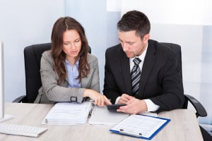 Why You Should Use a Scottsdale Business Broker and Not Try to Sell Your Company By Yourself.